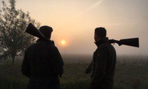 Daar komen de vrouwen! Het is dringen bij de jachtopleiding – Omroep Gelderland (Radio en TV)