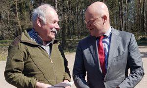 Minister Grapperhaus laat zich informeren over meerwaarde geluiddemper
