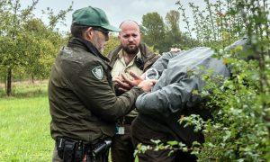 'Groene boa' Jarno staat ongewapend tegenover drugscriminelen in het Twentse buitengebied – Tubantia