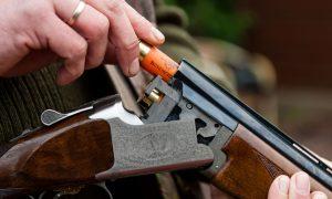 Jagersvereniging in gelijk gesteld in rechtszaak e-screener: korpschef moet nieuwe jager tóch onmiddellijk jachtakte verlenen